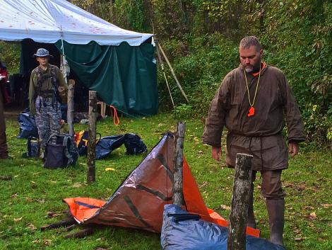 Jamie Burleigh demonstrating the 5 minute emergency shelter